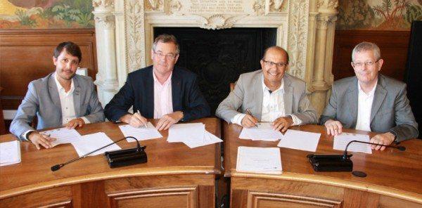 Signature d'une convention entre l'AGEFICE et les Points d'Accueil du Gard.